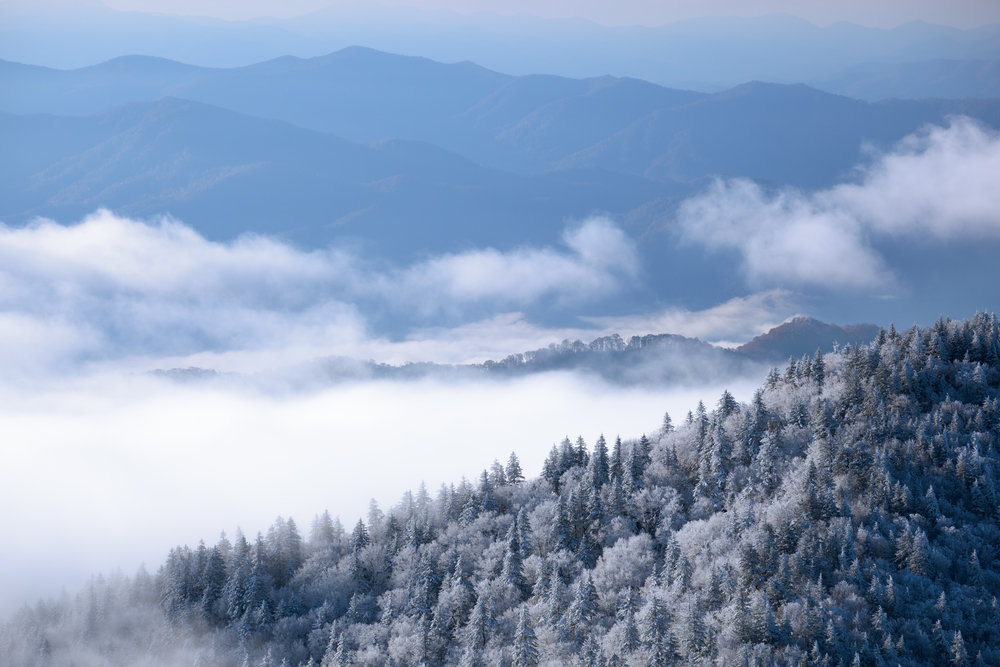 Smoky_Mountains_Snow_Medium.jpg