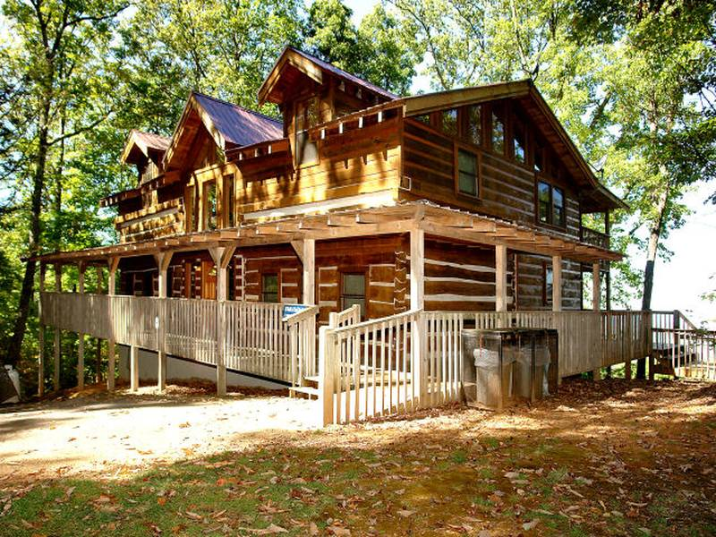 Diamond Mountain Rentals :: Our 4BR Cabins are Perfect for